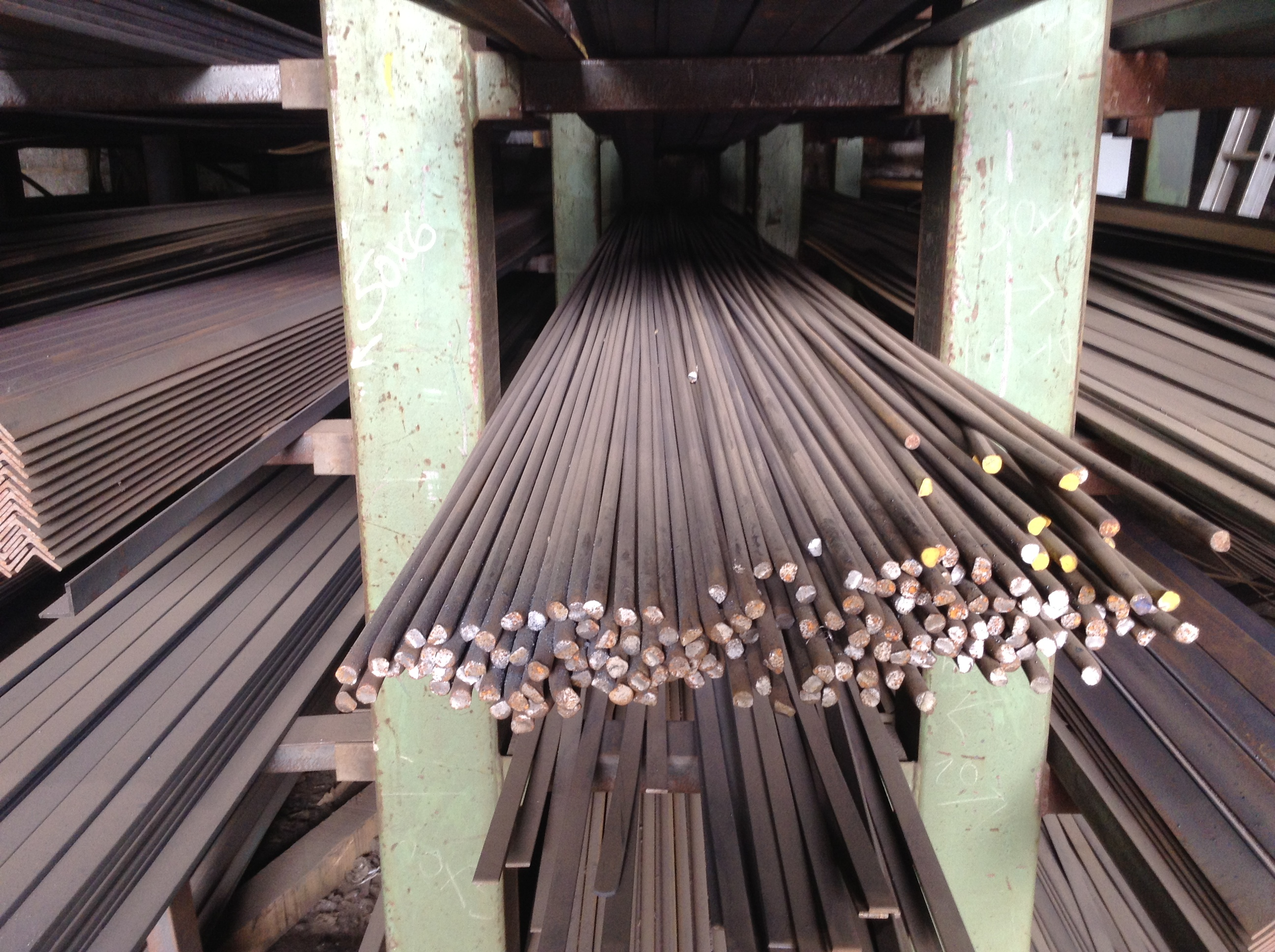 1 650 100mm Mild Steel Solid Round Bar From Ainscough Metals