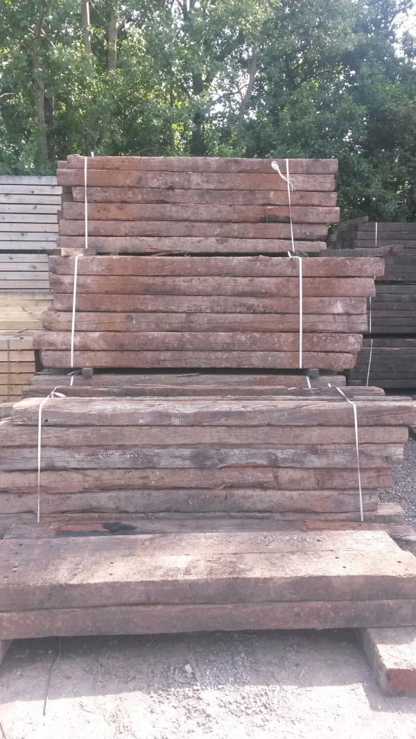 4\'\'/6\'\'x8\'\'/10\'\' x 8ft to 9ft Long x Class 2 Second Hand Railway Sleeper