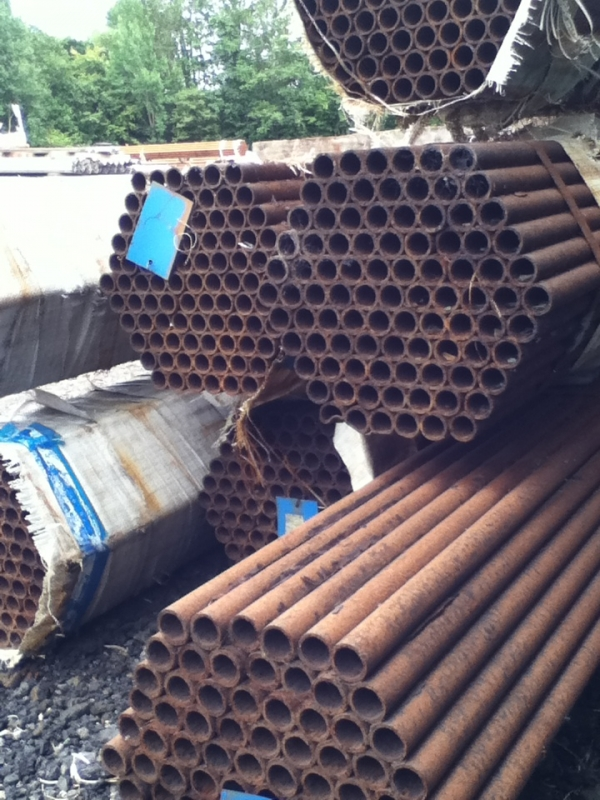 9.000 Mtr Lengths of 33.7mm x  3mm  Unused Tube Varying Atmospheric Rust Drainage - Water Pipe