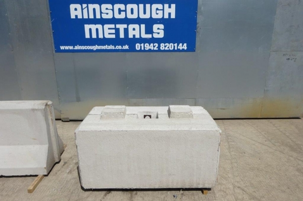 Concrete Lego Block 1400 mm Long x 680 mm Wide x 700 mm High For Security/ Barriers/walls/barricades/storage Bays