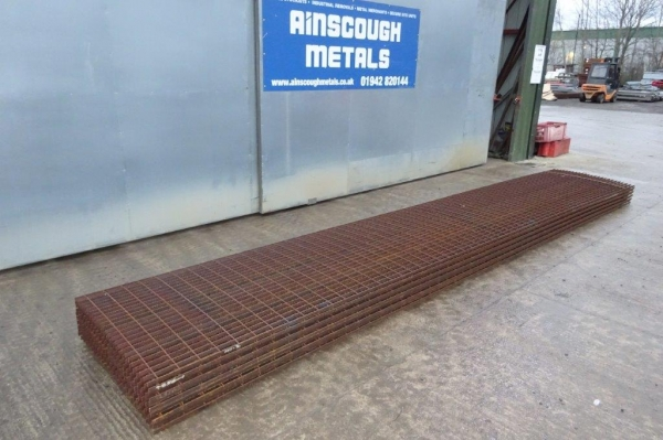 Floor Forge Walkway Self Colour  Steel Grating  6.100 Mtr  x 1.000 Mtr New 25 mm Deep x 3 mm Thick Serated Flat Bar 100 x 40 mm Aperture Flow Forge
