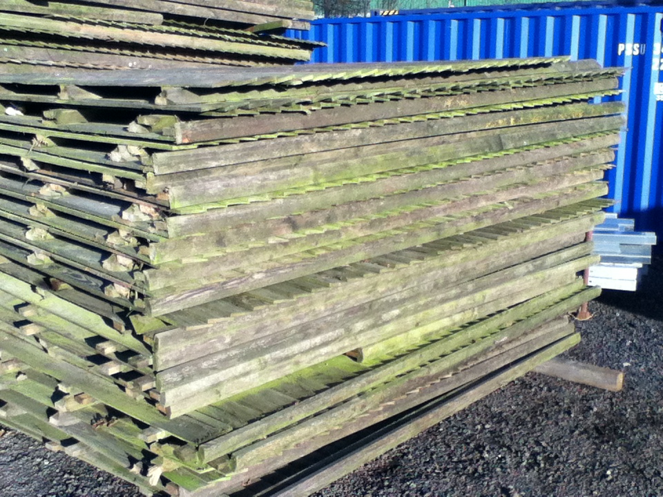 Used Timber Fence Panels 2 900mtr Long X 1 680mtr High