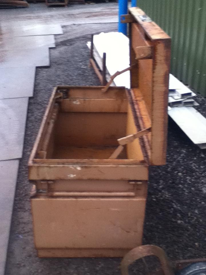 Used Steel Knaack Jobmaster Toolchest C W Handles 1 220mtr